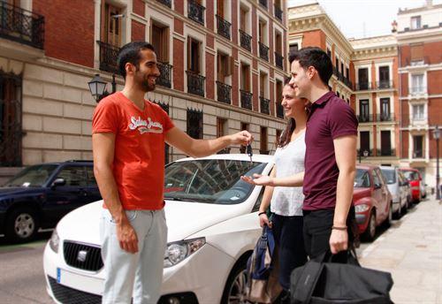 Amovens lanza el alquiler de coche entre particulares